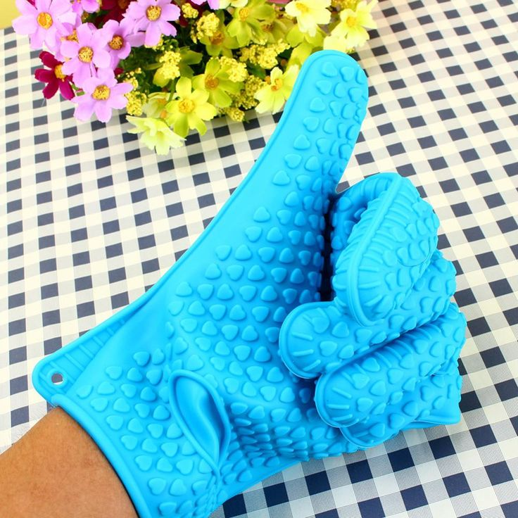 Barbecue Gloves Silicone Holder Gloves Kitchen Oven Resistant Gloves 2Pcs Brand new and high quality The Oven Glove Is Great For The Kitchen, The Barbeque And Handling Other Hot Surfaces Around The House Or Projects Around The Home.Baking essential tool for removing food or mold from the oven and microwave, also used for cooking in the heat skid.Heat Resistant Glove With Heat-resistant Pad Protect From Scratch, Bump, Dust. Can Be Used In Any Hand Right / Left. Material: Silicone…