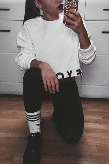 White Letter Pattern Pullover Crop Sweatshirt