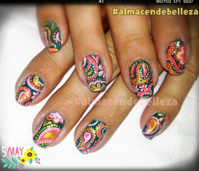 #Nailart nails uñas decoradas #búlgaros, a mano alzada.