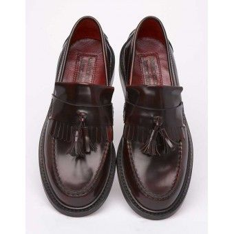 Delicious Junction Rudeboy mod and skinhead tassled loafer http://scootssuitsandboots.com/delicious-junction-loafer-rude-boy-oxblood.php