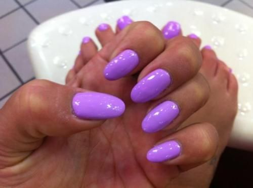 bright lavender <3 I'm staring to like these round nail shapes:)