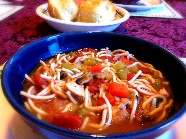 今日は16℃位でとっても寒かったです(>_<)夜ご飯はあったまるスープ♫美味しい!その後パイレーツを一緒に観たけど、英語だからちんぷんかんぷんʕ•͡ɛ•͡''ʔ 笑 - 58件のもぐもぐ - チキントマトスープ by naru . M