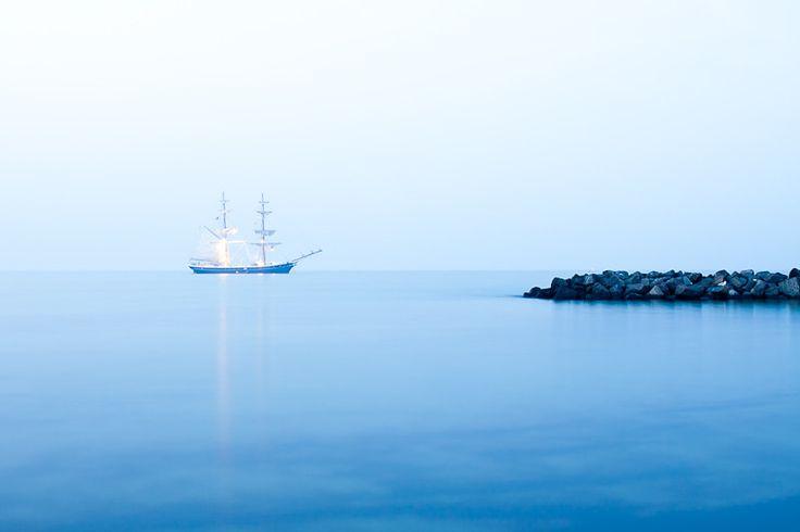 Ostsee: Mole und Schiff (Copyright Martin Schmidt)