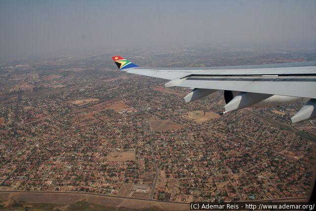 Luanda - Angola: Vista aérea (chegada)