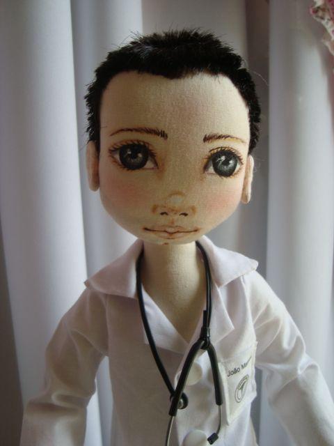 Boneco de pano. Médico. Soraia Flores.