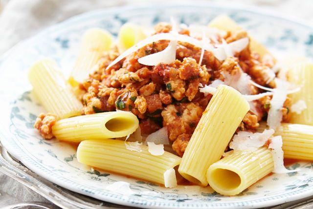 Où est le bœuf? Ces rigatonis en sauce bolognaise au poulet sont si délicieux que vous en oublierez que ce n'est pas du bœuf? C'est promis!
