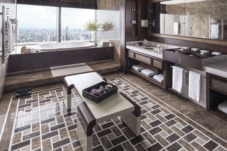 Shangri-la Hotel Shanghai.  Bathroom with a view.  Luxury bathroom design. www.fm-arch.it
