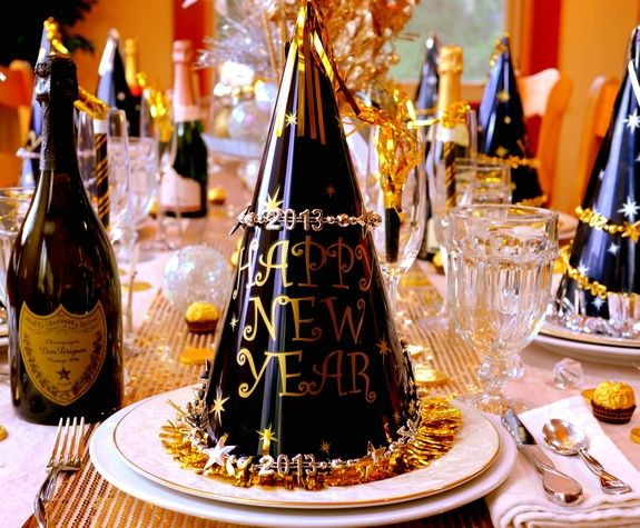 New Year's tablescape: Decor Ideas, Eve Tables, Noblepig Com, Years Parties, Eve Parties, Noble Pigs, Parties Ideas, Years Tablescapes, New Years Eve