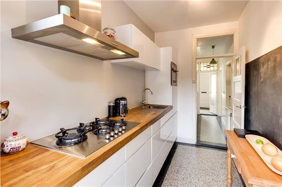 Keuken met granito vloer in Voorburg