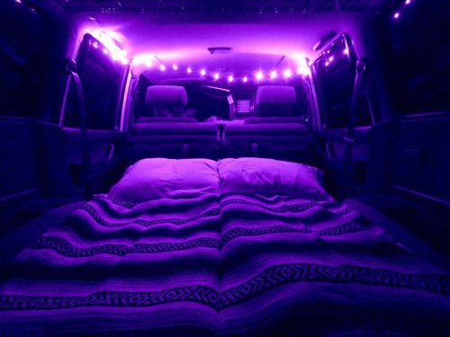 Imagen de purple, light, and bed