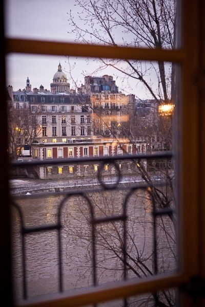 #paris #wedding #bride #groom #gownGrooms Gowns, Brides Grooms, Paris Photography, Beautiful Places, Wedding Brides, Paris Wedding, Wwwfeteinfrancecom Reading, Gowns Weddingideas, Beautiful Winter