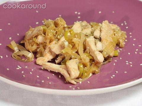 Petto di pollo porri e sesamo: Ricette di Cookaround | Cookaround
