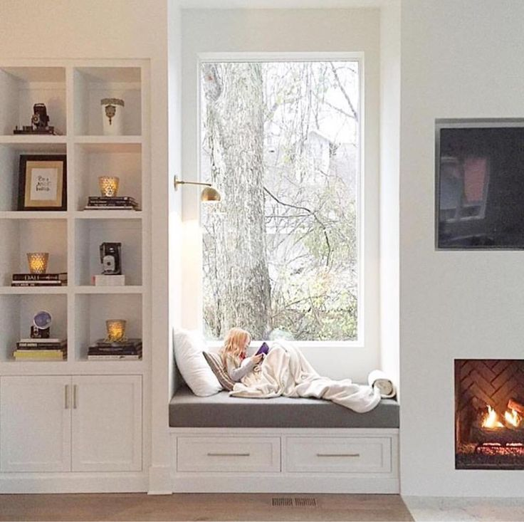 BECKI OWENS- Outdated fireplaces can be transformed on even the leanest budget.Today on the blog I'm sharing beautiful fireplaces and the ten ideas they inspire forfixing up an outdated fireplace.
