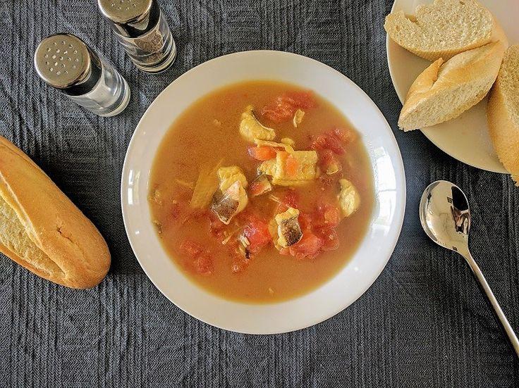 Makkelijk recept voor vissoep met rode poon, sliptong, wijting en saffraan.
