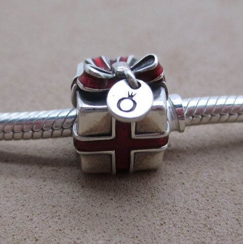 Red Ribbon Pandora Christmas Gift Box Charm... this is so cute! !!