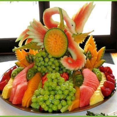 Fruits tray fancy fruit and vegetables pinterest for Apples decoration