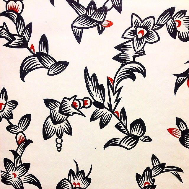 Hardcore Deco/Funkis. 1920s. Künstlerwerkstätte Jeku Köln. Bauhaus #wallmural #wallpaper #wallcovering #tapet #tapetti #papierpeint #papeldepared #handprint #handtryck #heminredning #homeinterior #historiskayrken #handtrycktatapeter #långholmen #byggogbevar #byggnadsvård #funkis #artdeco #deco #20s #20tal