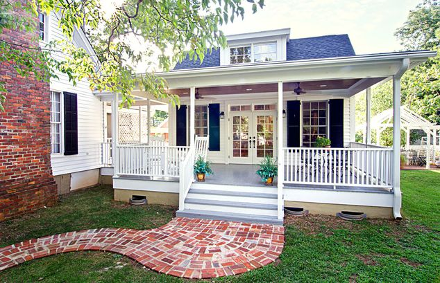 12 Surprising Granny Pod Ideas for the Backyard_Southern Cottage_allcreated