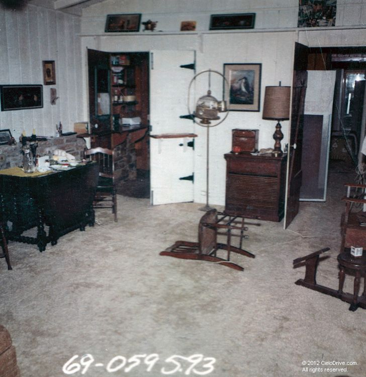 The guesthouse at 10050 cielo drive the only survivor for Murder house tour los angeles