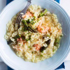Savulohi-parsarisotto - Smoked salmon and asparagus risotto