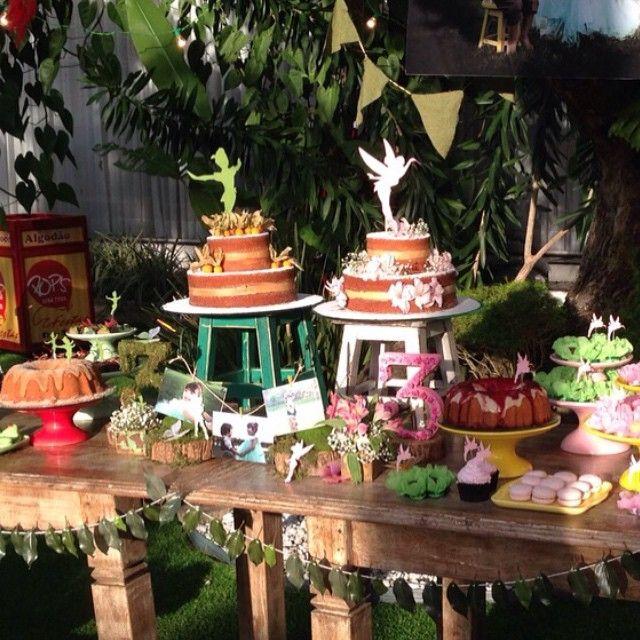 Tema: Peter Pan e Sininho! #loucaporfesta #loucaporfestas #loucasporfestas #festainfantil #kidsparty #kidsdecor #festairmãos #gêmeos #JuntasSomosMaisBDF Buffet @fulltimebuffet Decoração @silviaroverieventos (São Paulo-SP) Peças & Desing Floral @decorrent Cerimonial & Identidade Visual @pahce Bolos Principais @nabirra Bolos Secundarios @cacau2you Chocolate @adrianachocolates Algodão Doce & Móveis @popsfestas Convite @scrapbookprime (Natal-RN) Macarrons & Cupcakes @lebrunchocolates Grafica…