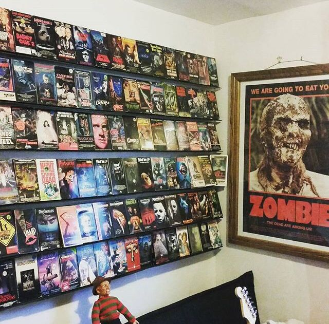 811 best images about horror movie room wish list on for Room decor list
