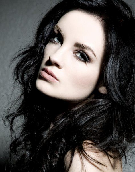Emma Lynn | Vampire | 19 A6532e122d1e738c145811cad6103d97