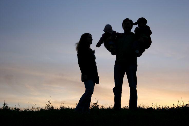 Curso para pais! Um curso voltado para a gestante, o casal grávido ou pais e mães que possuem bebês recém-nascidos. Individual ou para grupo.
