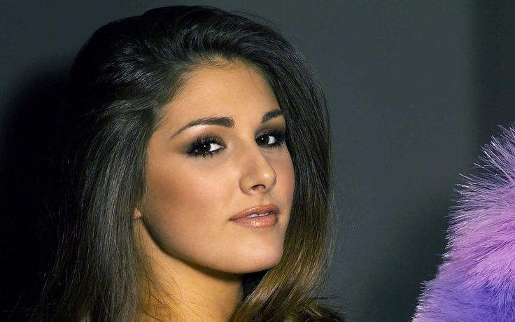 lucy-pinder-hd-wallpapers-5