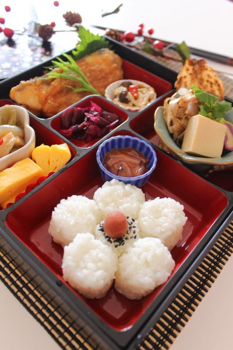 Shokado-Bento, Japanese Boxed Lunch|松花堂弁当 (I need this box)