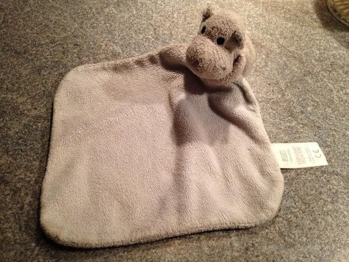 Found on 16/07/2015 @ Cleethorpes Seafront. I found this comfort blanket on Cleethorpes Seafront not far from the Lifeboat Station! I would love to reunite him with his owner! Visit: https://whiteboomerang.com/lostteddy/msg/katxna (Posted by Francesca on 16/07/2015)