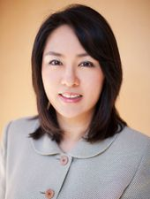 Dr. Julia Lee grew up in the Bay Area and has been a general dentist for over 15 years.  She received her Bachelor of Science in Biology at the University of California, Davis, and then went on to earn her Doctor of Dental Surgery from the University of California, San Francisco.  Dr. Lee firmly believes in being a perpetual student.  That is why she spends many hours in continuing education courses.  http://www.julialeedds.com/meet-dr-lee/