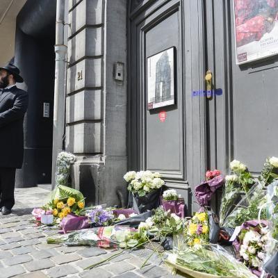 #Fusillade au Musée #Juif à #Bruxelles: la quatrième victime serait décédée   #Belgique - #lesoir.be http://www.lesoir.be/553922/article/actualite/belgique/2014-05-25/fusillade-au-musee-juif-bruxelles-quatrieme-victime-serait-decedee via @Odeta L Soir