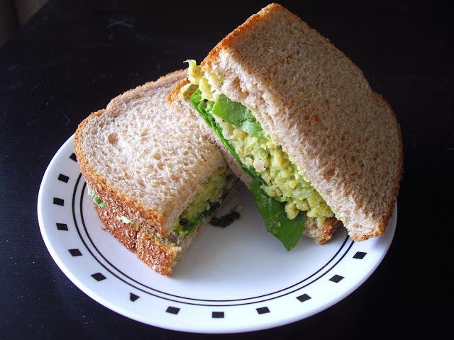 cooking ala mel: Smashed Chickpea & Avocado Sandwich