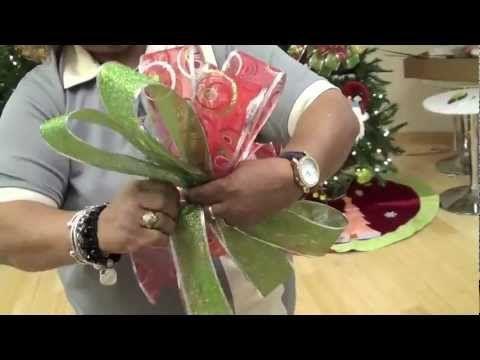 Cómo hacer un lazo o moña para la decoración de navidad en tu hogar u oficina por Janet de Casa Febus.