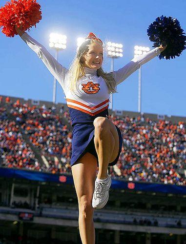 auburn-cheerleader3
