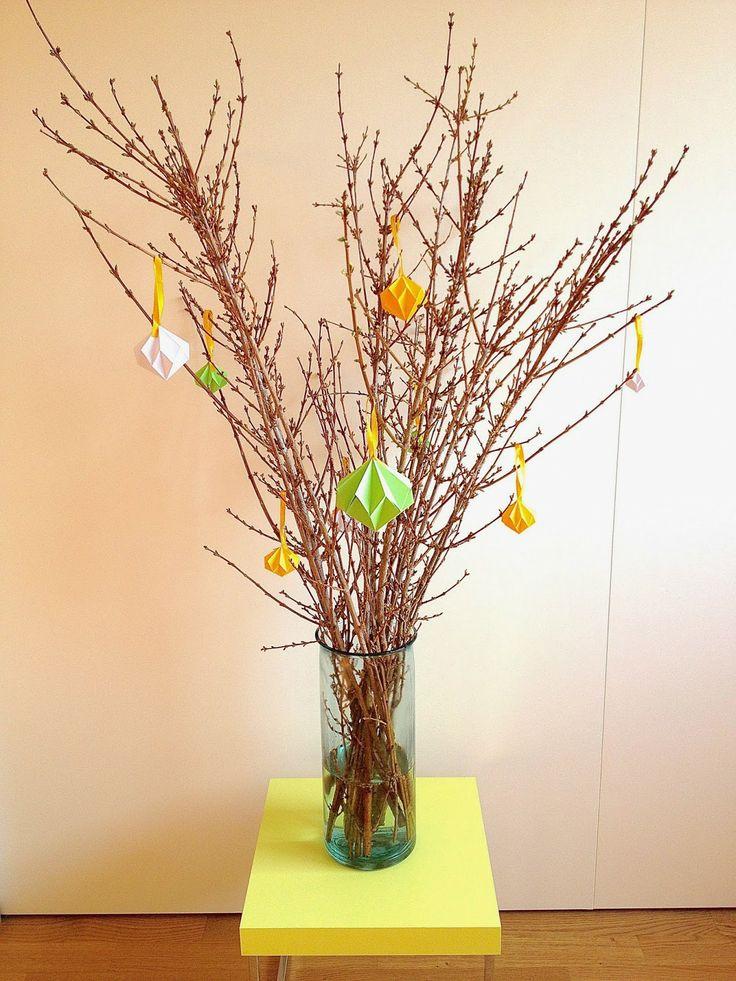 Rebekka's craft room: DIY Easter tree with origami diamonds / Arbre de Pâques avec diamants en origami