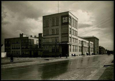 Urząd Pocztowo Telegraficzny, projekt Julian Puterman-Sadłowski przy współpracy z Antonim Kiszewskim, budowa1929. Fot. H. Poddębicki #dawnagdynia #gdynia #architecture #modernism #funkcionalism #oldphoto