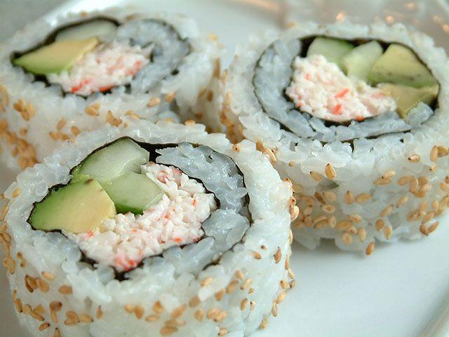 #CaliforniaRolls #Sushi #California #Rolls #JapaneseFood #Food #Avocado #Seaweed #Rice #Crab #SesameSeed #Roll