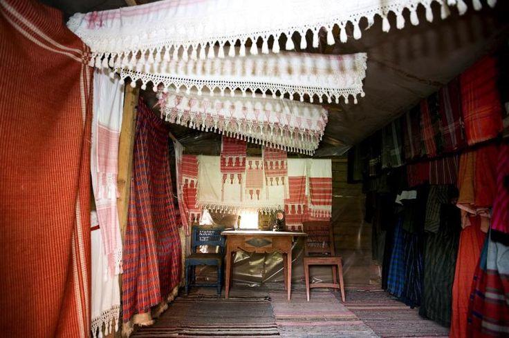 Gorgeous Finnish heirloom. Textiles, as 'fransu' lace edges (Finnish knotting technique), handwoven fabrics etc. at Myrbergsgården Farmhouse Museum, 1833, region of South Ostrobothnia, Finland |
