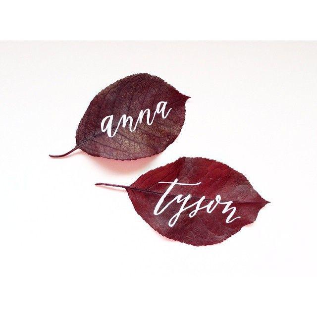 落ち葉もロマンティック♡冬の結婚式のエスコートカード・席札を集めました♡