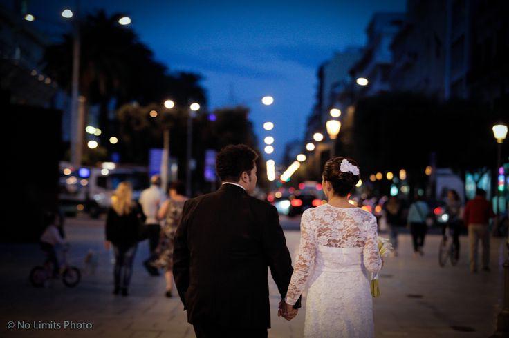 Il matrimonio: un amore vero.   L'amore vero si manifesta nei piccoli gesti, negli sguardi attenti, nelle carezze inattese, nella presenza silenziosa che dice più di mille parole.  #matrimonio #nozze #wedding #NoLimitsPhoto