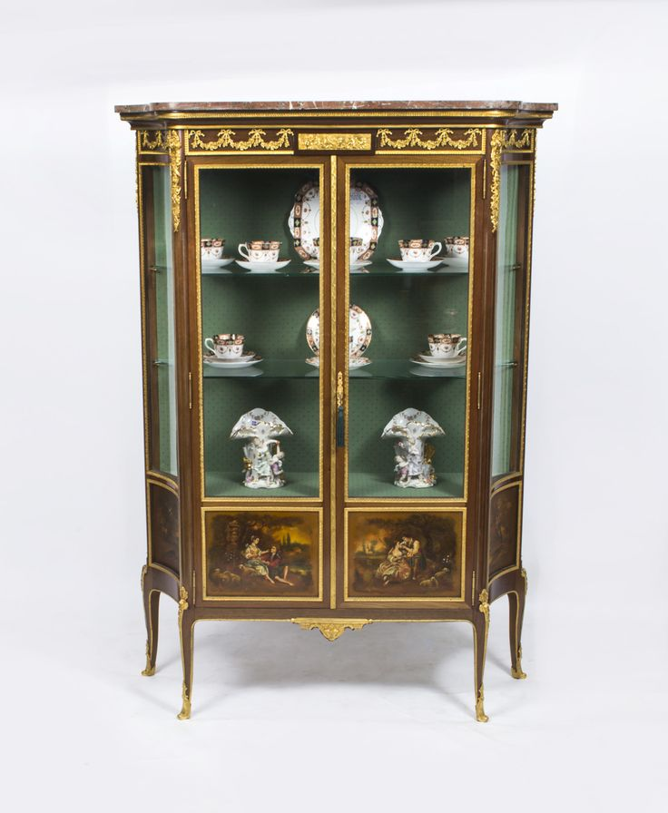 35 best Display cabinets images on Pinterest   Display cabinets ...