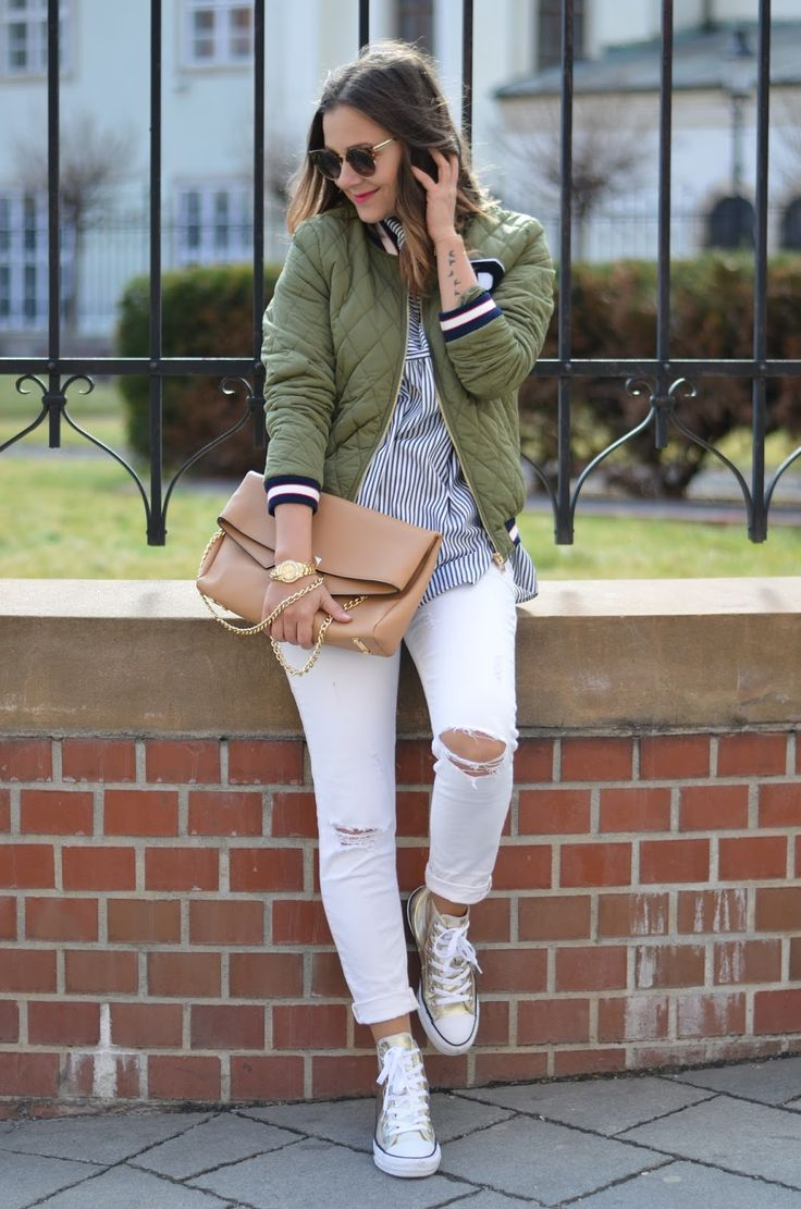 Spring outfit with bomber jacket and Converse all star