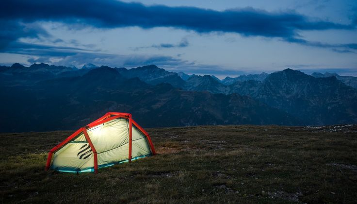 The Wedge | 2-Person Inflatable Tent | Heimplanet