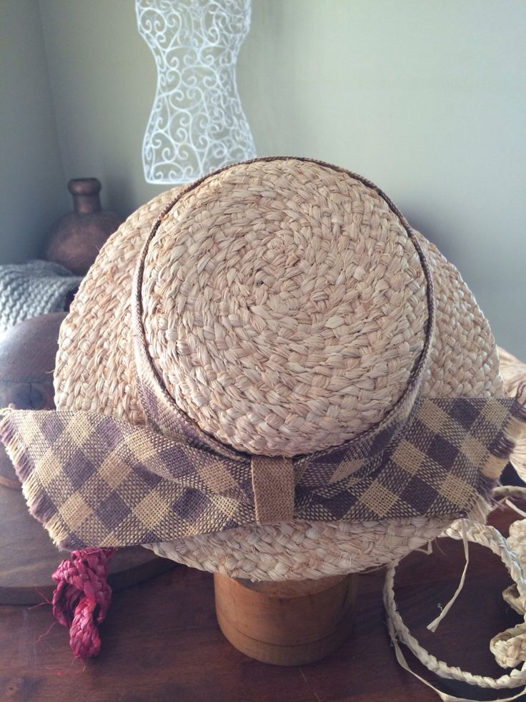 Raffia hat, 'Linda'. Stylish handmade hat using finest quality madagascan raffia by RusticRoseByKaren on Etsy https://www.etsy.com/au/listing/453873828/raffia-hat-linda-stylish-handmade-hat