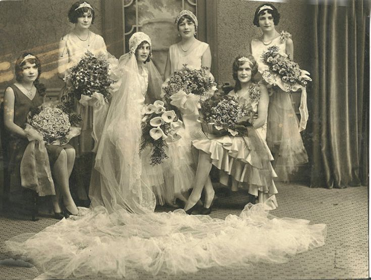 20 Fascinating Vintage Wedding Photos From the Roaring 20s
