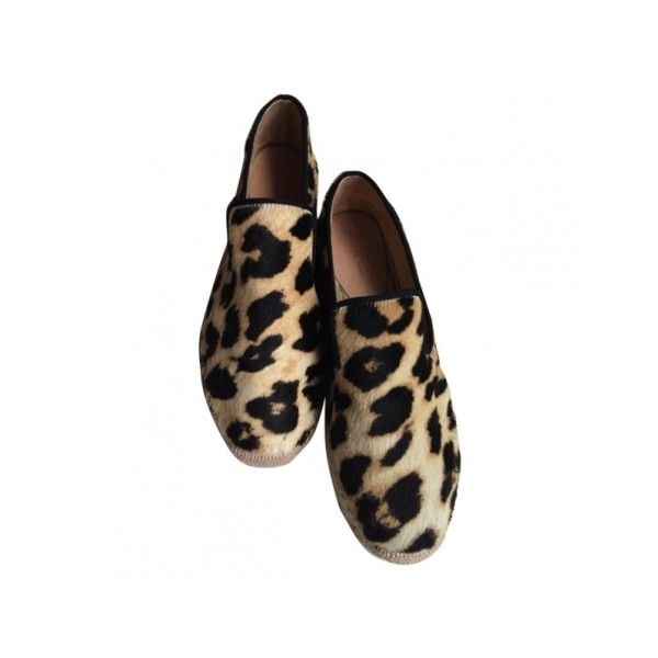 Espadrilles CELINE Leopard print ($220) ❤ liked on Polyvore featuring shoes, flats, chaussure, celine, leopard shoes, flat pumps, leopard flat shoes, leopard print flat shoes and espadrille shoes