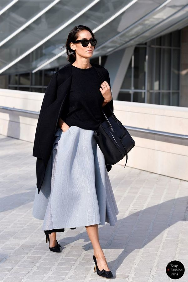 ライトグレーのボリューミースカートは清楚な雰囲気で男性からも人気  #elegant #elegantdaywear