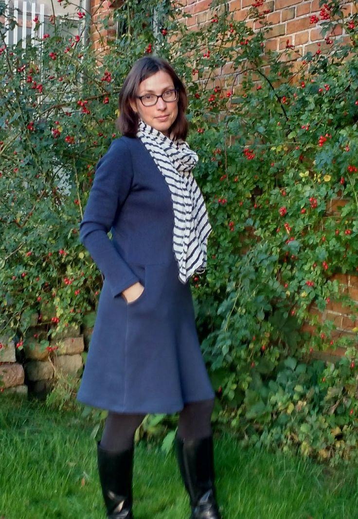 Frau Fannie aus Sweat nähen, Frau Fannie Schnitt anpassen, Basic Kleid für den Winter, Basic Kleid für den Herbst